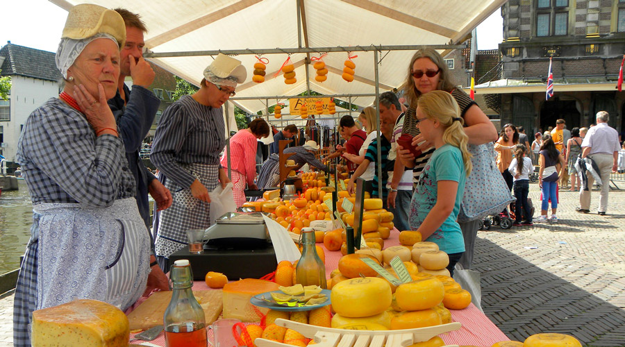 Meridian Wanderlist: Alkmaar cheese festival