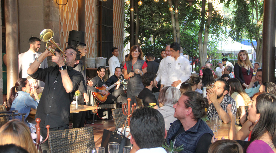 Meridian | The outdoor terrace at Saks in Mexico City was a vibrant and lively scene.
